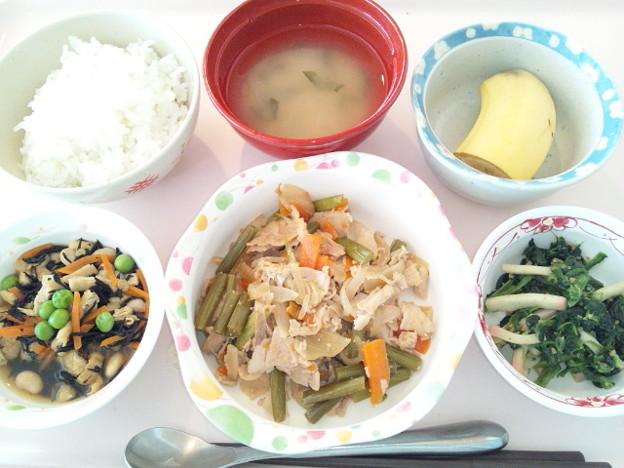10月9日昼食(豚肉とにんにくの芽の炒め物) #病院食