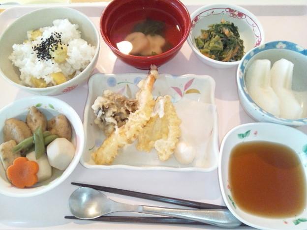 10月11日昼食(天ぷら盛り合わせ) #病院食