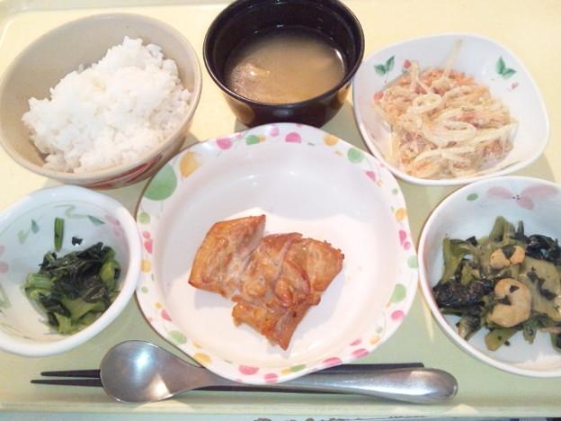 10月21日夕食(鶏肉のにんにく醤油焼き) #病院食