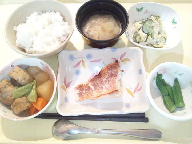 2月15日夕食(赤魚の粕漬け焼き) #病院食