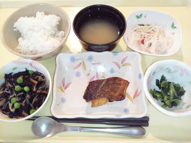 2月19日夕食(めばるの蒲焼き) #病院食
