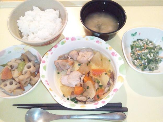 2月20日夕食(鶏肉と大根の煮物) #病院食