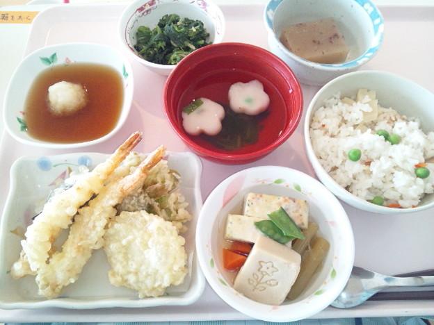 4月8日昼食(天ぷら盛り合わせ) #病院食