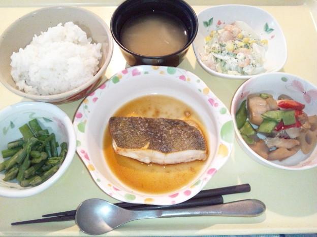 7月5日夕食(かれいのソテーにんにくソース) #病院食