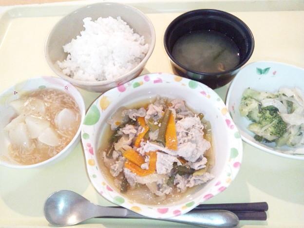 8月3日夕食(豚肉とにんにくの芽の炒め物) #病院食