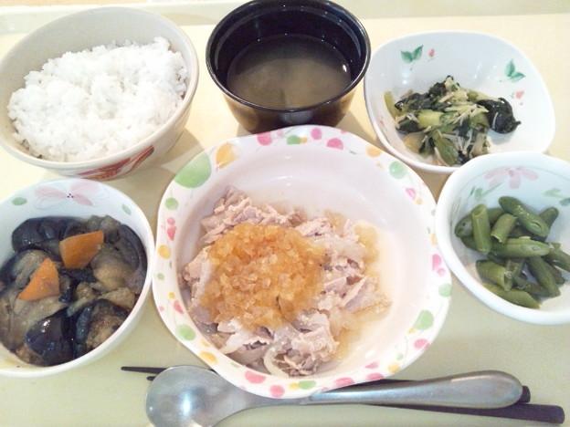 8月11日夕食(豚肉のソテー玉ねぎソース) #病院食