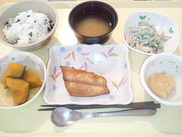 8月13日夕食(鰆の南部焼き・わかめご飯) #病院食