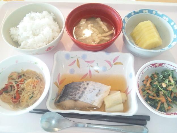 Photos: 10月28日昼食(鰆の煮付け) #病院食