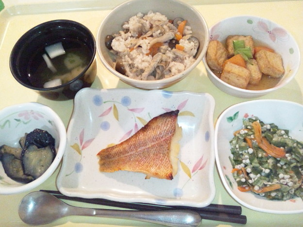 Photos: 10月29日夕食(赤魚の西京焼き・きのこご飯) #病院食