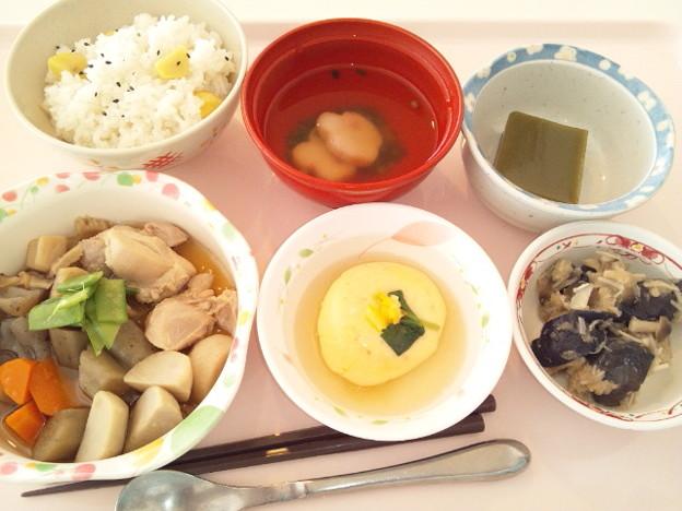 11月23日昼食(筑前煮・栗御飯(行事食)) #病院食