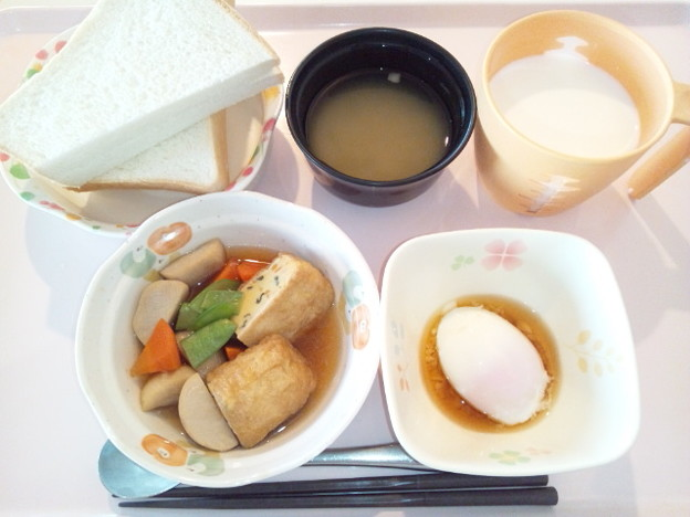11月28日朝食(三色いなりの煮物) #病院食