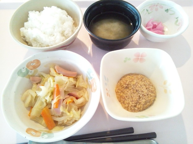 11月29日朝食(魚肉ソーセージ入り野菜炒め) #病院食