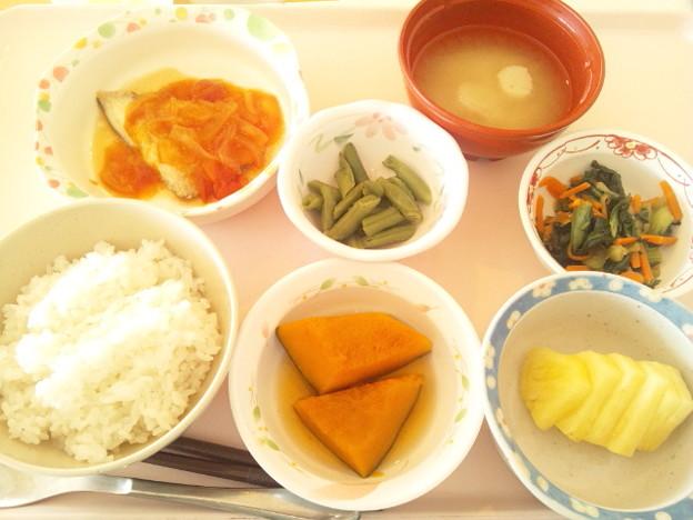 12月1日昼食(カレイのムニエルトマトソース) #病院食