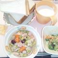 Photos: 12月2日朝食(ウインナーとさつま芋のコンソメ煮) #病院食