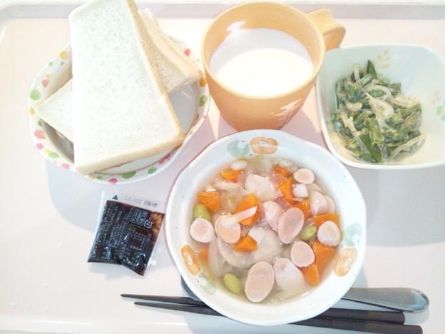 1月16日朝食(ウインナーと野菜のコンソメ煮) #病院食