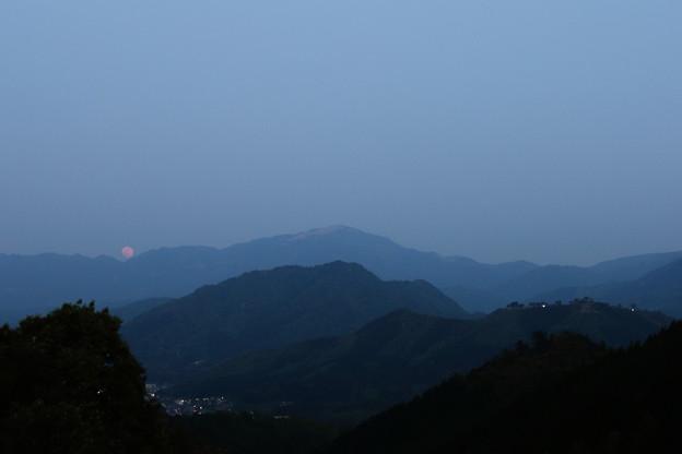 竹田城跡の月の出