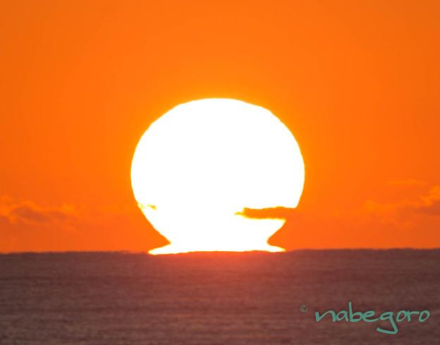 舳倉島のダルマ夕日