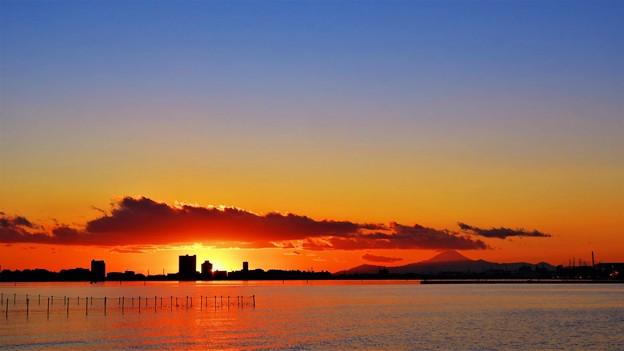 望遠富士と夕日