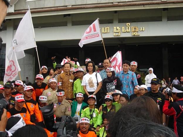 indonesia_jogja_care_for_japan_5678167823_o
