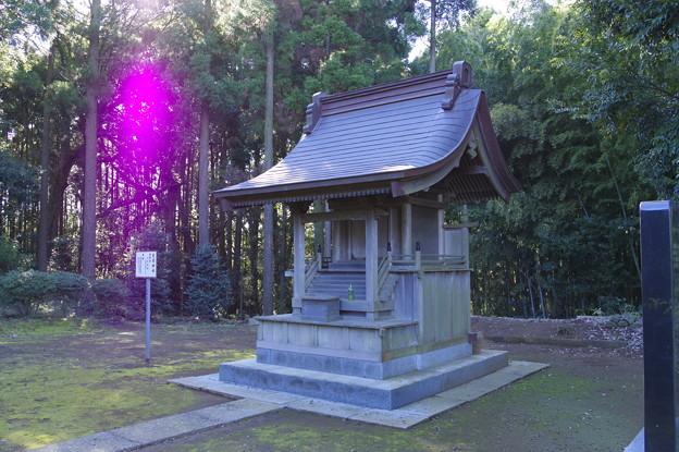 香取見目神社