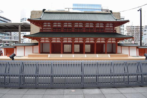 京都駅前のバスロータリー0022