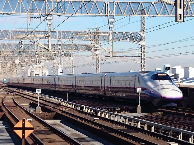 Photos: E2系