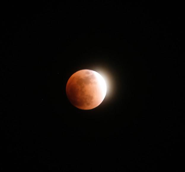 月食-7160_ピカリ