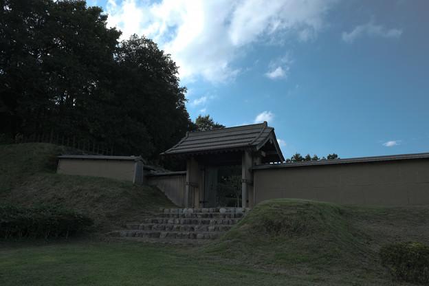 鉢形城_01門-8458
