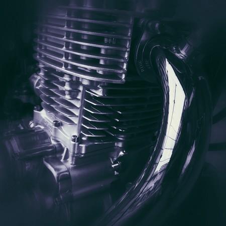 主張するエンジン
