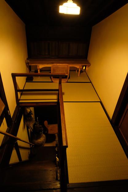 高山_旅のしおり_2階登り口の空間-0486