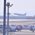羽田空港D滑走から伊丹へC-3POJETとBB-8。。20170325