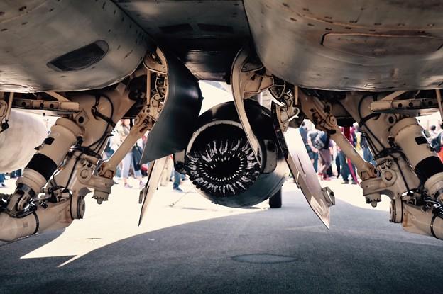 厚木基地日米親善春まつり。。空中給油システムバビポットの格納ノズル 20170429
