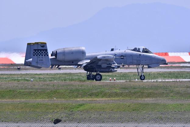 フライインしてエプロンへ移動A-10。。5月3日