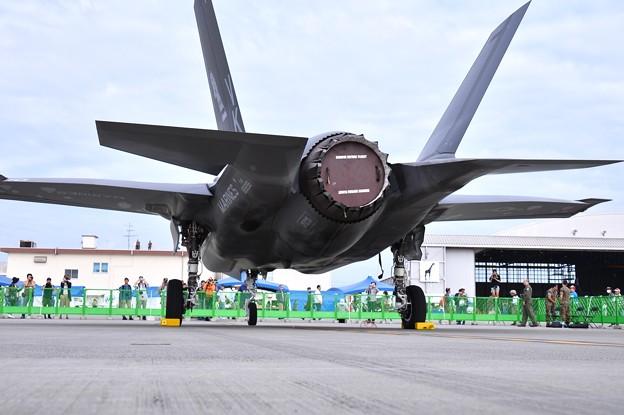 岩国基地フレンドシップデー。。後ろ姿のステルス戦闘機F-35Bライトニング
