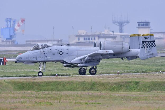 岩国基地。。在韓米軍オーサン基地A-10 タキシング 20170506