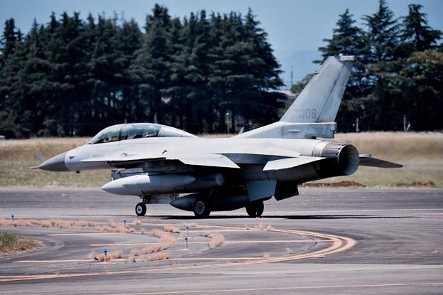 横田基地ランウェイ18。。続々と出てくる韓国空軍KF-16 20170603