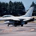 Photos: 横田基地ランウェイ18。。続々と出てくる韓国空軍KF-16 20170603