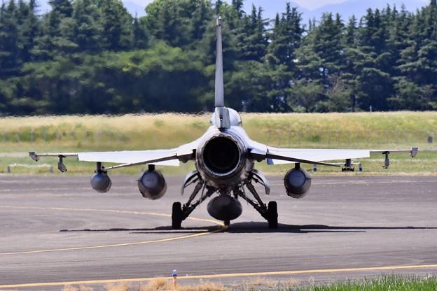 Photos: 横田基地。。韓国空軍のKF-16の後ろ姿 20170603