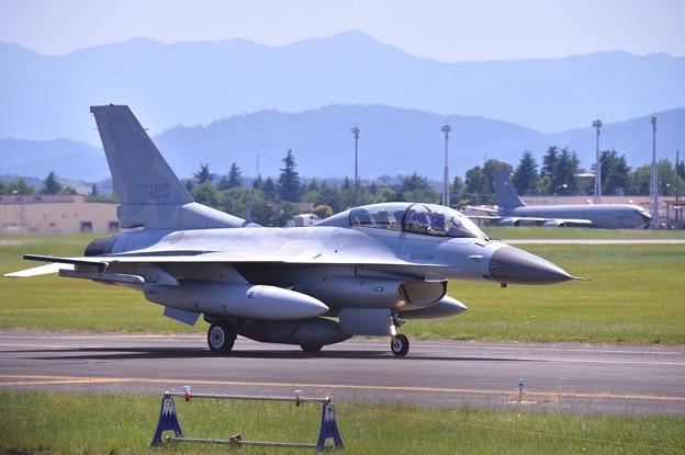 横田基地からアラスカへ向かう韓国空軍KF-16 20170603