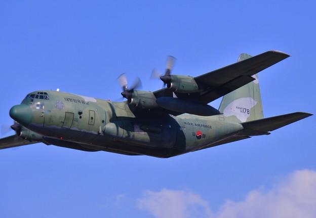 横田基地からアラスカへ韓国空軍のC-130 20170603