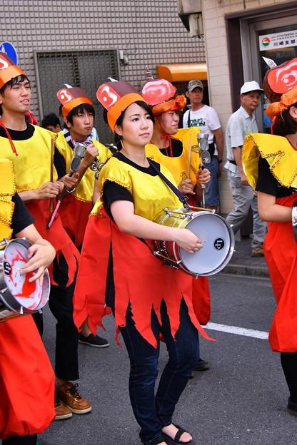 写真: 撮って出し。。かわさき大師サマーフェスタ サンバパレードの演奏の子たち 7月17日