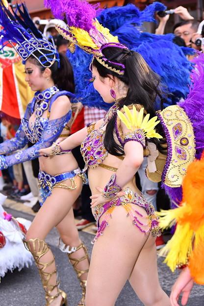夕方のサンバパレード開始して。。熱き踊るサンバお姉さん 20170717