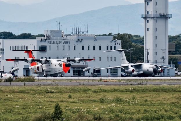 北の大地に退役予定の2機 岩国のUS-1Aと岐阜のC-1FTB