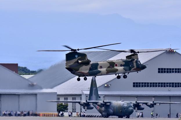 青森三沢からCH-47飛来。。20170722