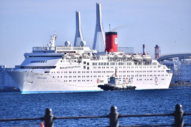 出初式の朝に。。横浜港に現れた客船ocean dream 20180107