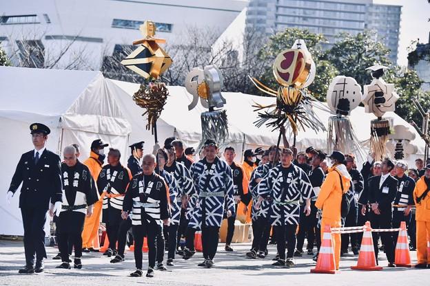 横浜消防出初式。。出初式の古い伝統 纏行進 20180107