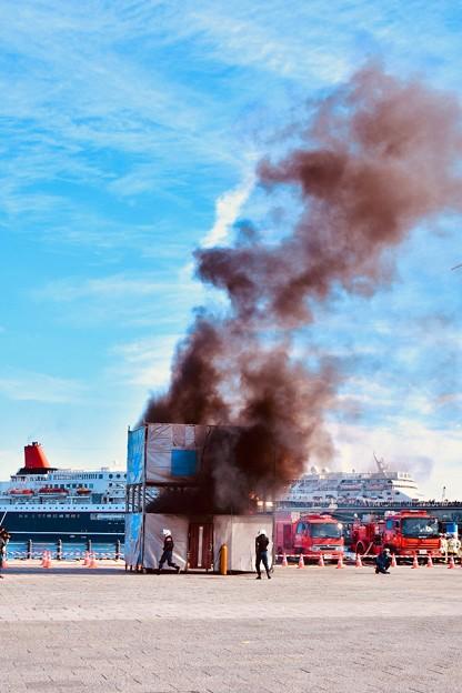 横浜消防出初式。。地震災害総合演習 大地震後火災想定 20180107