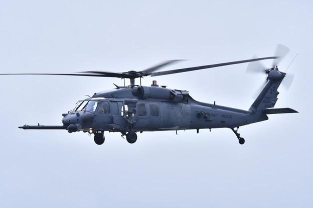 嘉手納基地上がり。。米空軍救難ヘリコプターHH60ペイブホーク 20180108