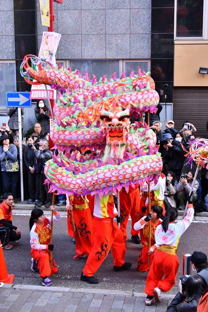 撮って出し。。関帝廟前での龍舞   祝舞遊行 2月24日
