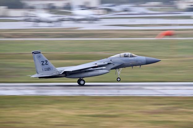 雨降りの中。。続々と帰投ZZのF-15 流し撮りでアプローチ (3) 20180108